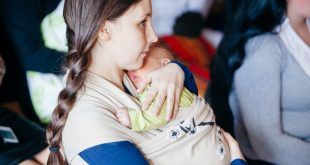 Breastfeeding Benefits: For Moms & Babies