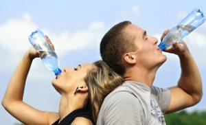 ลดน้ำหนักหลัง Diwali - ดื่มน้ำ