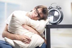 fatigue meaning in Hindi - sleepless