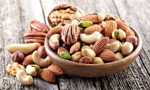 Foods that lower Cholesterol - Nuts