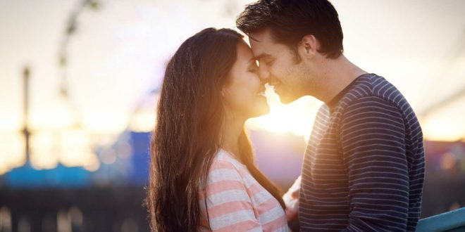 benefits of kiss in Hindi -benefits of kissing in Hindi