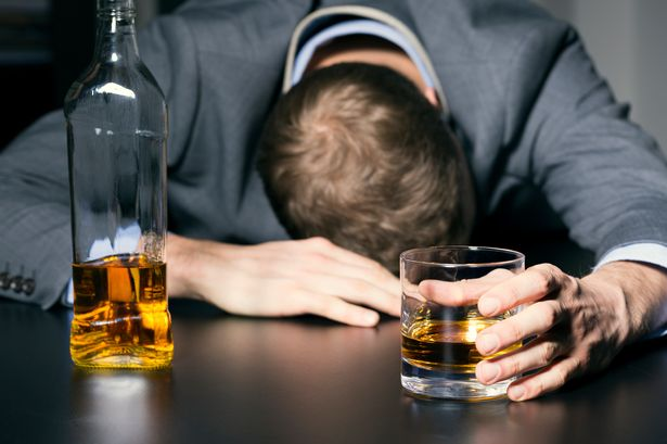 alcoholic liver disease in hindi - अल्कोहल लीवर रोग के लक्षण, निदान और इलाज