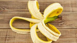 วิธีทำให้ฟันขาวด้วยกล้วย