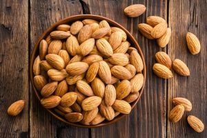How many almonds to eat per day