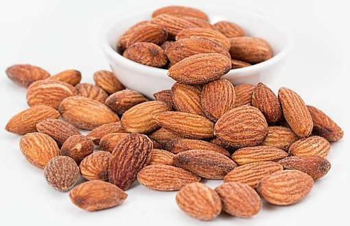 badam khane ke fayde, badam khane ke fayde in hindi,badam benefits in hindi, almonds benefits in hindi