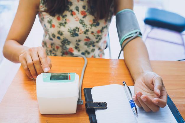 high blood pressure symptoms, high blood pressure treatment, how to control high blood pressure, what causes high blood pressure