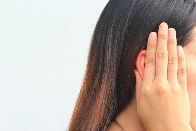 Tinnitus, ear lobe stretching
